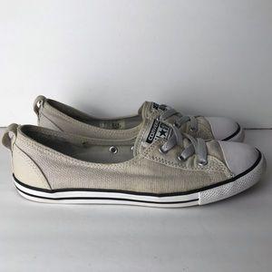 Converse shoes women's size 8